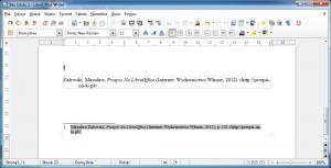 Obraz przedstawia bibliografię załącznikową umieszczony wdokumencie LibreOffice Writer przy pomocy Zotero. Wygląda ona inaczej niż napoprzednim obrazku, prezentując, jak prosta jest jej zmiana.