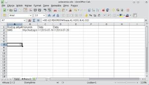Okno programu Calc pokazujące formułę bazy danych wyodrębniającą rekordy przy pomocy operatorów porównywania liczb. Powtórzenie etykiety kolumny zdatą pozwala wyodrębnić rekordy utworzone później niż, alewcześniej niż. A1: Rodzaj aktywności; B1: Kierunek; C1: Data; D1: Data; A2: SMS; B2: Wychodzące; C2: >=2013-07-10;