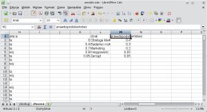 Okno programu Calc. Wkolumnie L znajdują się: Obsługa klienta, Badania irozwój, Marketing, Księgowość, Zarząd. Wkolumnie M (naprawo) prawdopodobieństwa: 0,4; 0,3; 0,2; 0,05; 0,05. Wkolumnie K (nalewo) prawdopodobieństwa wformacie zrozumiałym dla funkcji WYSZUKAJ.PIONOWO: 0; 0,4; 0,7; 0,9; 0,95.