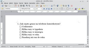 Okno programu Writer. Podakapitem opatrzonym numerem znajduje się więcej akapitów. Przedkażdym znich automatycznie wstawiony jest kwadrat — pole nazaznaczenie odpowiedzi