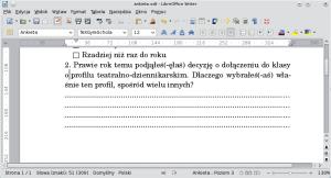Okno programu Writer. Podrugim akapitem opatrzonym numerem znajduje się kilka akapitów zawierających wyłącznie tabulator. Wyglądają one, jakby były całe wypełnione kropkami.
